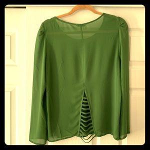 Long sleeve green top